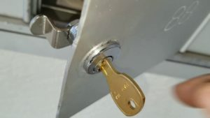 Mailbox-Lock-Replacement