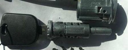 Serrures de voiture endommagées et réparations d'allumage